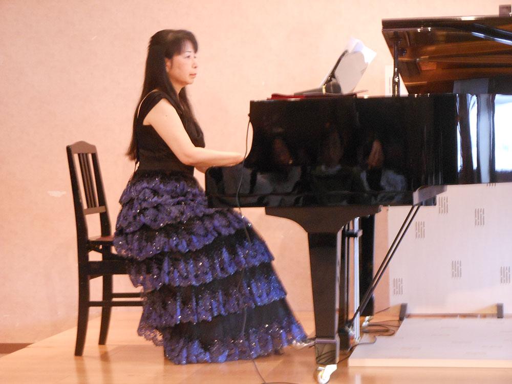 「大人の童謡曲集」からピアノソロ